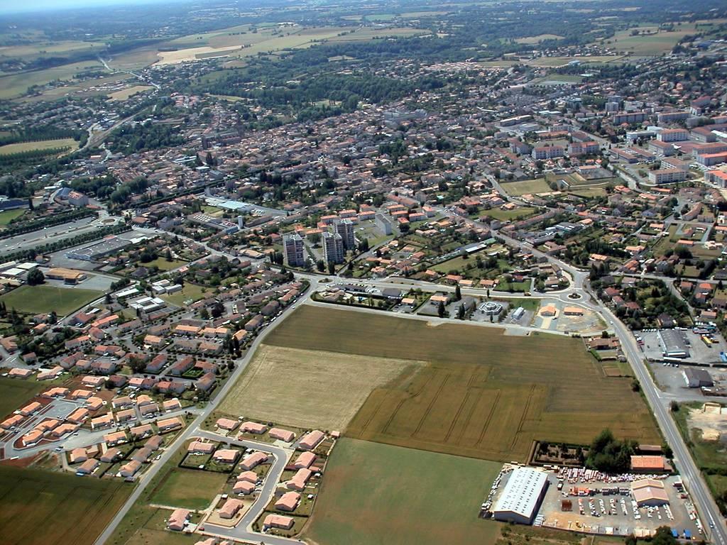 Saint-Maixent-l'Ecole France  City pictures : Photo aérienne de Saint Maixent l'Ecole Deux Sèvres 79