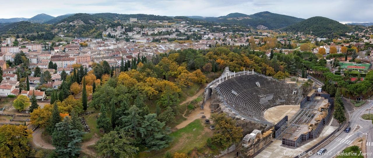 Photo a rienne de vaison la romaine vaucluse 84 - Office du tourisme de vaison la romaine ...