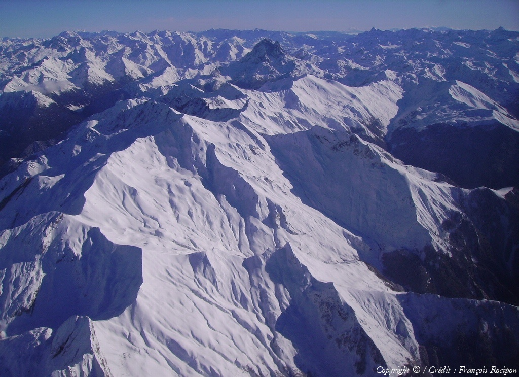 Photo a rienne de pic du midi d 39 ossau pyr n es - Office du tourisme pyrenees atlantiques ...