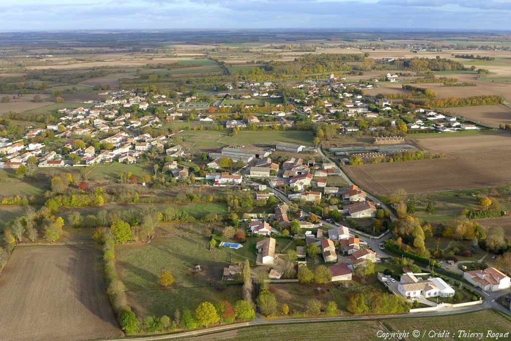 Photo aérienne de SaintSaturninduBois  Charente  ~ St Saturnin Du Bois