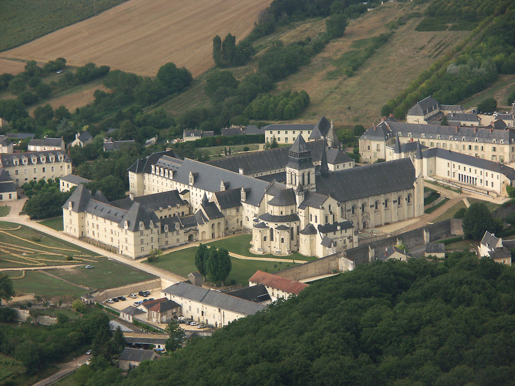 Fontevraud l'Abbaye France  City pictures : Photo aérienne de Fontevraud l'Abbaye Maine et Loire 49